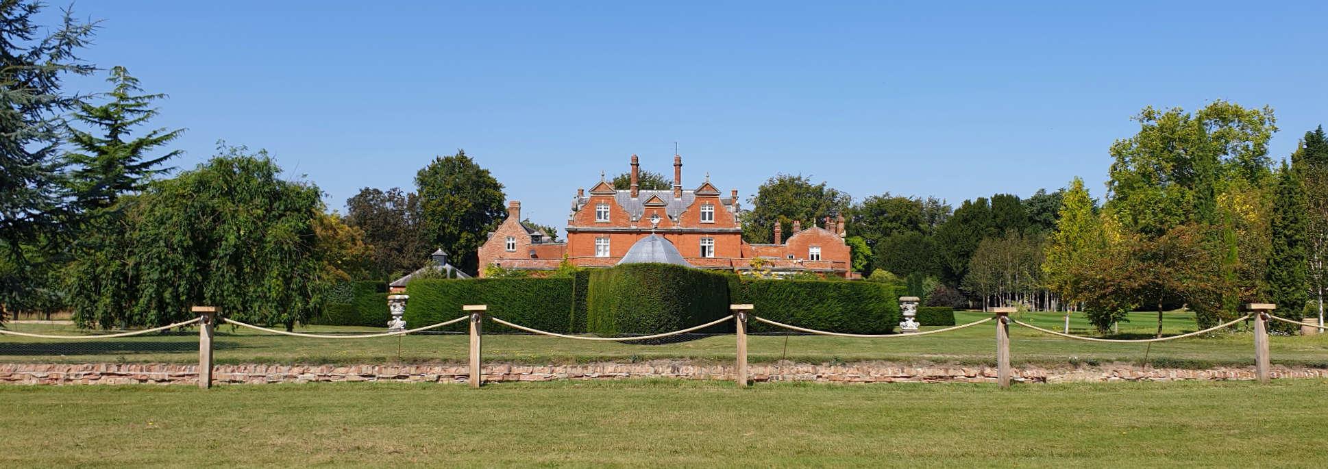 Panoramic view of Chippenham Park wedding venue in Cambridgeshire.
